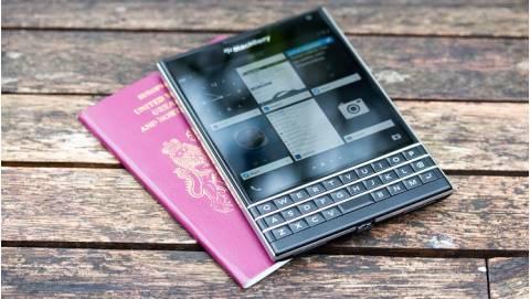 Blackberry Passport giảm giá sốc, từ 12 triệu về dưới 5 triệu