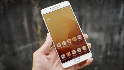 Top 4 smartphone RAM khủng hơn cả laptop, hút khách tại VN