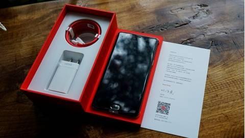 Đập hộp OnePlus 3T RAM 6GB tại Duchuymobile.com