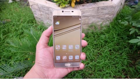 Trên tay Samsung Galaxy C5: Mỏng 6,7mm, RAM 4GB giá 8,6 triệu tại VN