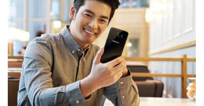 Samsung Galaxy S7 Edge Black Pearl chính thức ra mắt