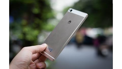 Trên tay Huawei P8 - Smartphone siêu mỏng, giá chỉ 11 triệu đồng