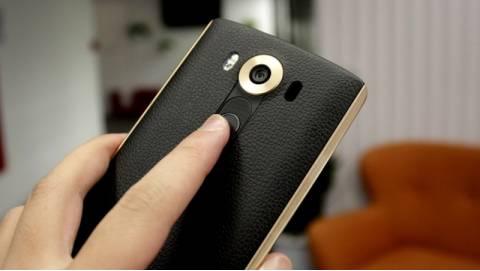 LG V10 2 SIM có nắp lưng da về Việt Nam giá 15 triệu đồng