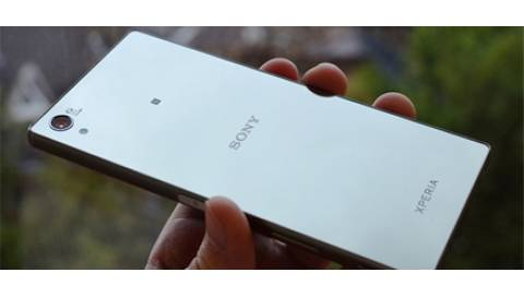 Sony Xperia Z5 Premium 2 sim tiết kiệm pin dù có màn hình 4K