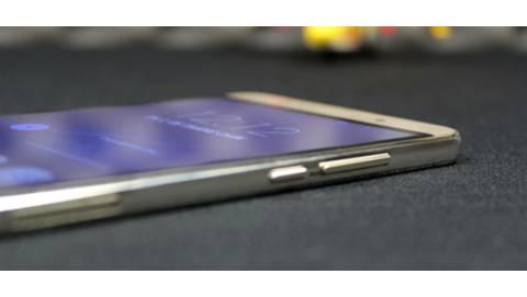 Nomi 5 trang bị màn hình 5.5 inch, thiết kế nguyên khối có giá siêu rẻ tại VN