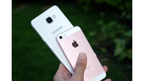 Samsung Galaxy A5 2016 đọ dáng cùng iPhone SE