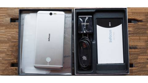 Mở hộp InFocus M812 có giá 300 đô mang thiết kế tinh tế