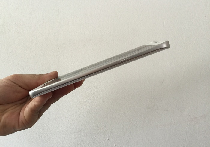 canh-phai-Samsung-Galaxy-Note-5