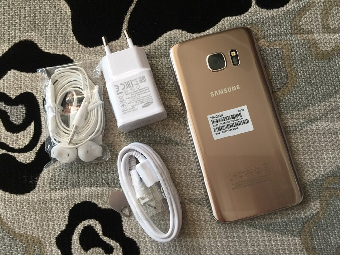 Đập hộp Samsung Galaxy S7 32GB 1