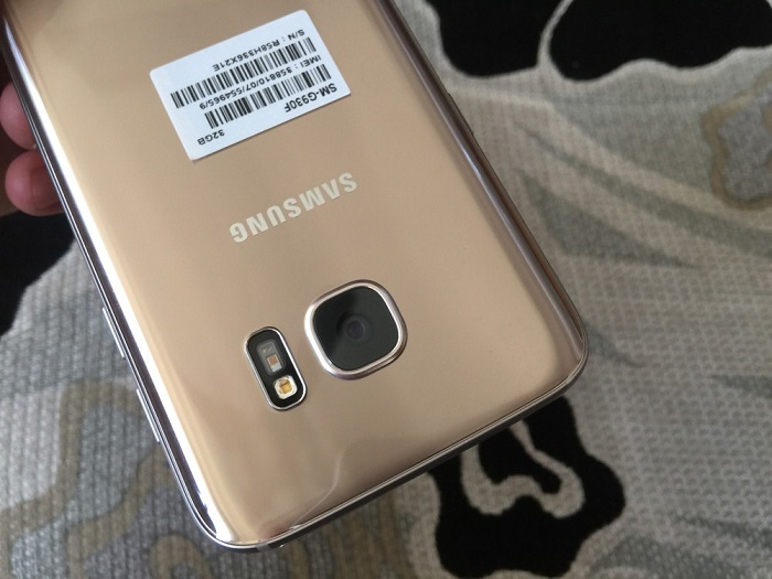 Đập hộp Samsung Galaxy S7 32GB 9