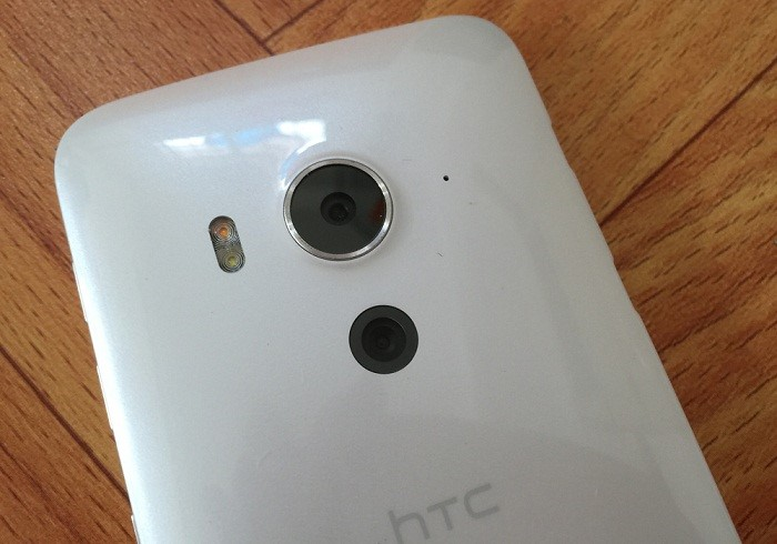 Camera sau HTC J Butterfly 3