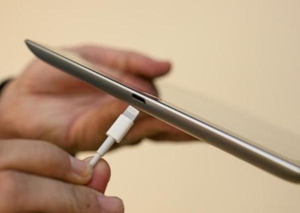 iPad 4 Cũ 16GB 3G Wifi kết nối lightning