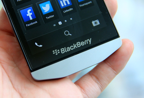 home-BlackBerry-Porsche-Design-P998