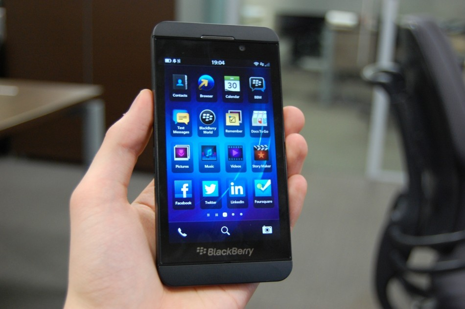 man-hinh-blackberry-z10