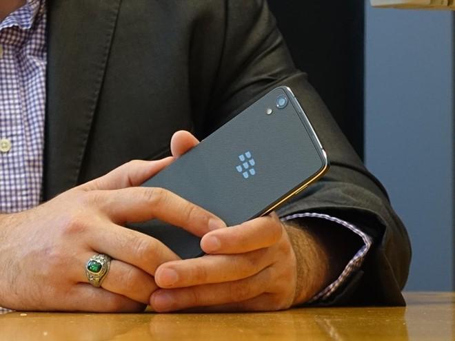 blackberry-dtek50-dien-thoai