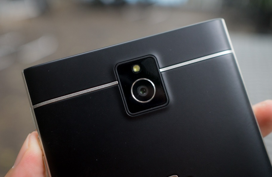 blackberry-passport-camera