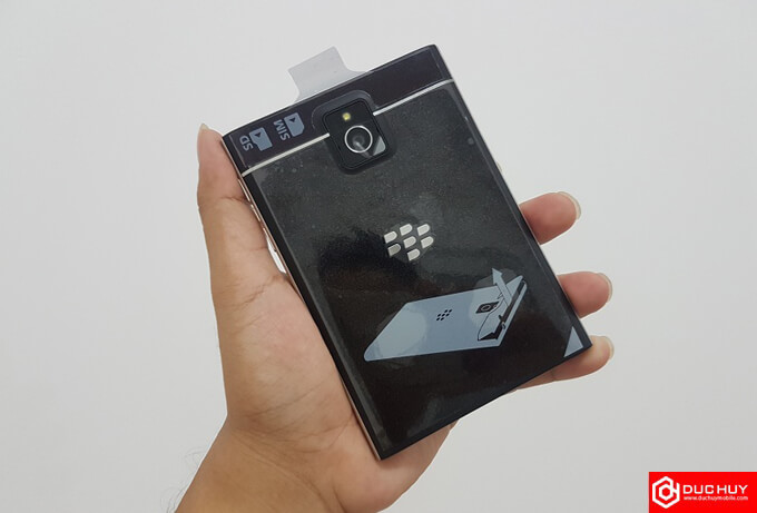 tra-gop-blackberry-passport
