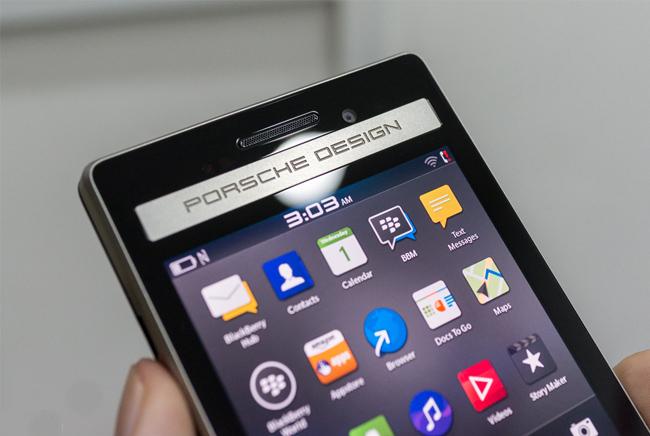 blackberry-porsche-design-p9983-mo-hop-danh-gia-5