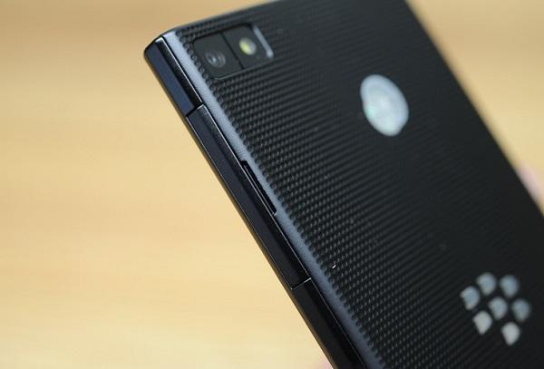 blackberry-z3-cau-hinh