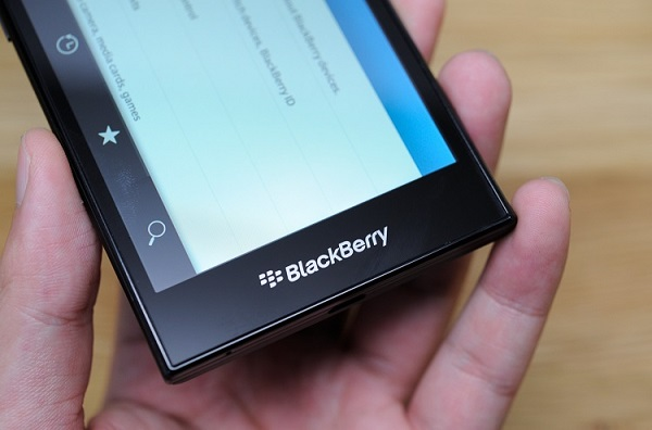 blackberry-z3-man-hinh