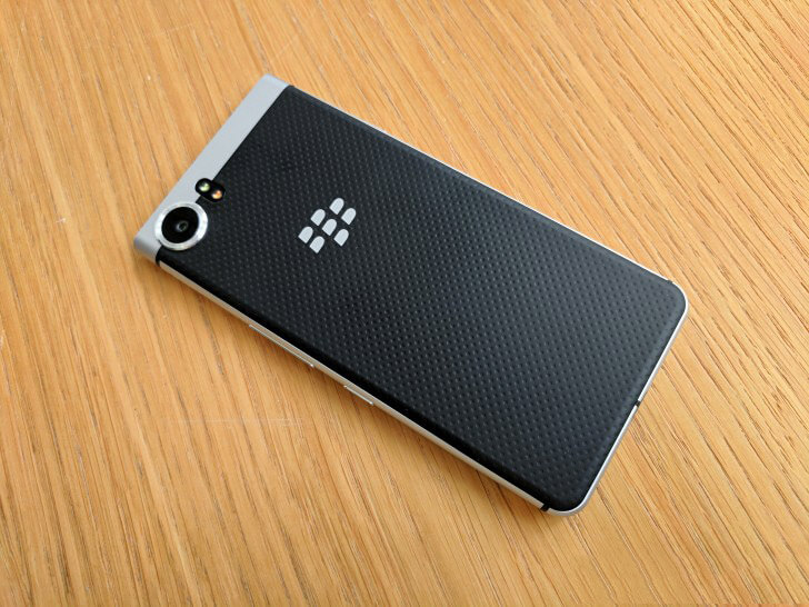 Mat-lung-BlackBerry-Keyone-Duchuymobile