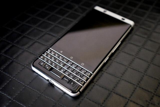 Xuat-xu-Blackberry-KEYone-Duchuymobile