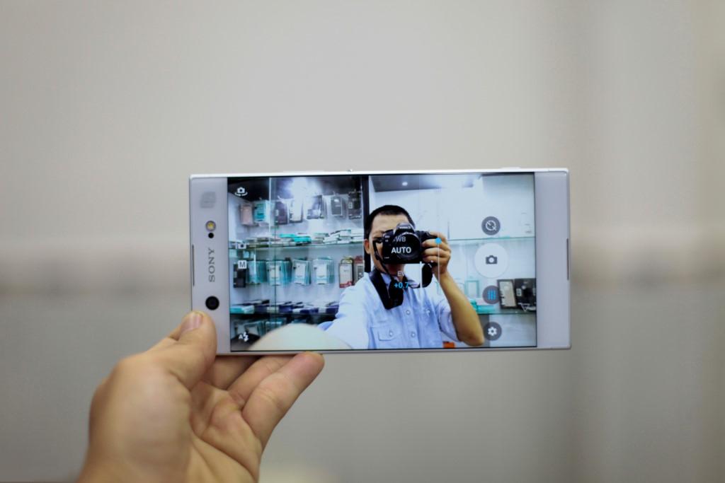 Giao-dien-camera-truoc-Sony-Xperia-XA1-Ultra