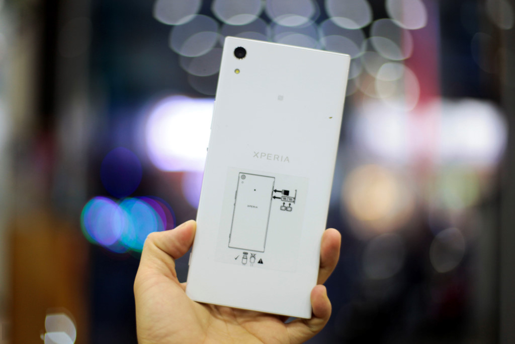 Mat-lung-Sony-Xperia-XA1-Ultra