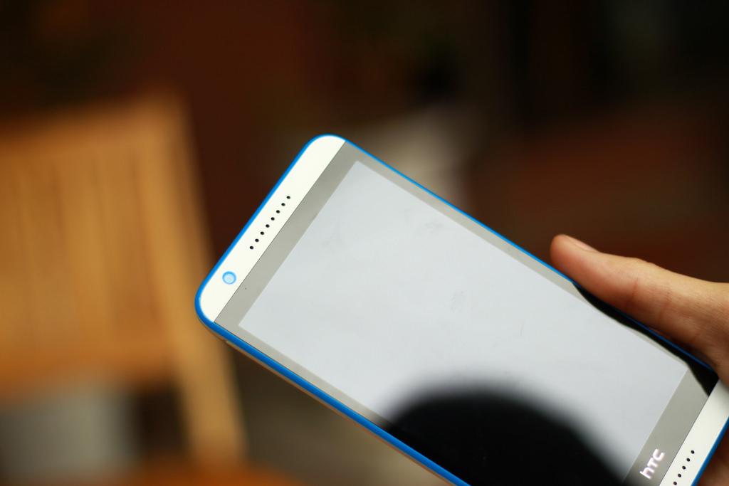 loa-HTC-Desire-820S