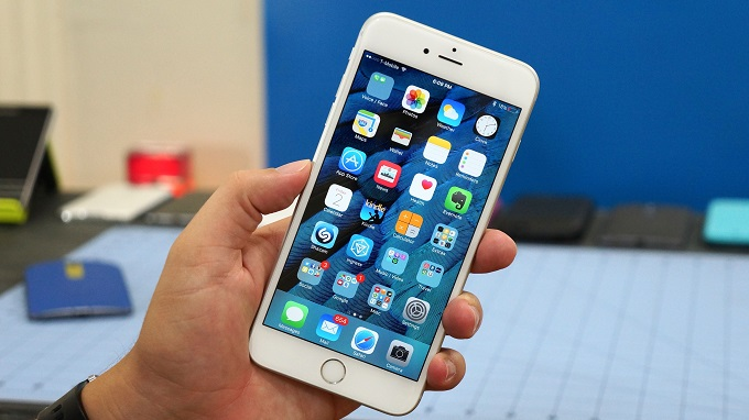 tren-tay-iphone-6s-plus-chua-active-troi-bao-hanh-duchuymobile