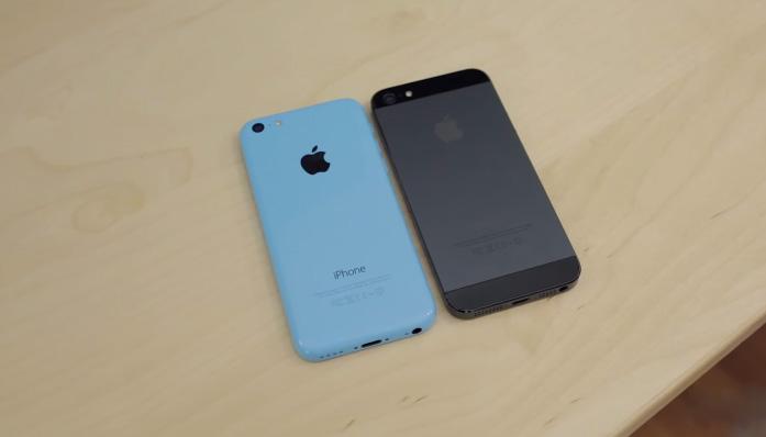 iPhone 5c Lock cũ đọ dáng cùng iPhone 5