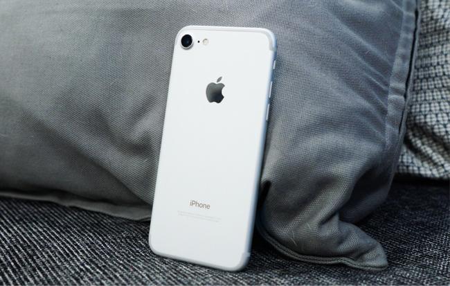 iphone-7-128gb-tren-tay-danh-gia-3