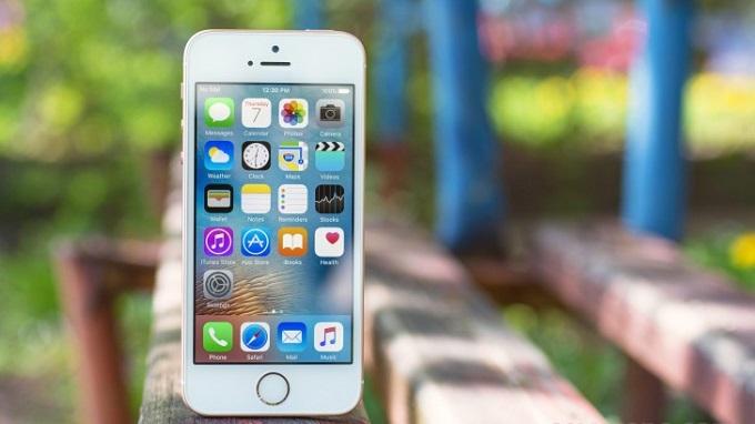 man-hinh-iphone-se-16gb-troi-bao-hanh-duchuymobile