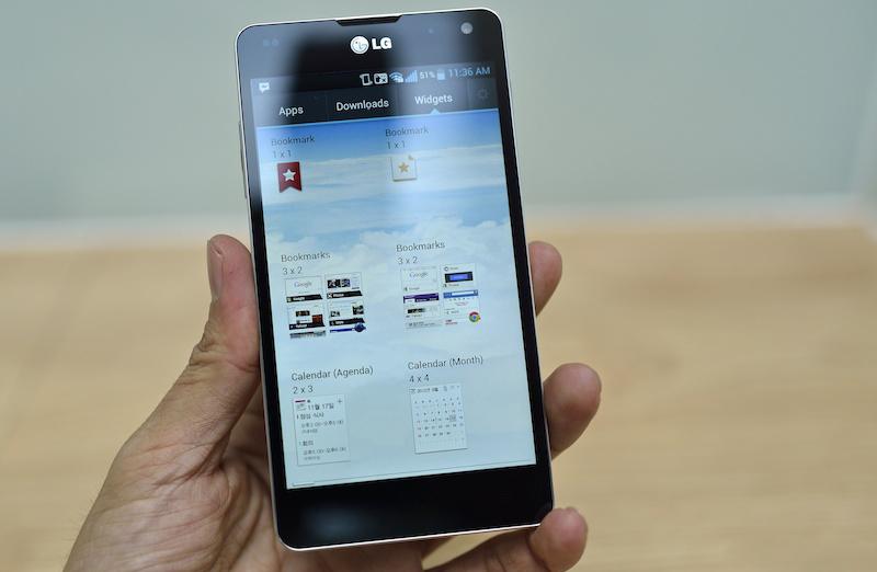 LG Optimus G F180 sở hữu màn hình kích thước 4.7 inch