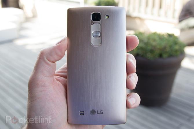 LG Magna thiết kế mặt lưng