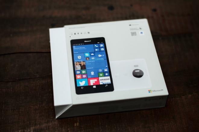 microsoft-lumia-950-xl-mo-hop