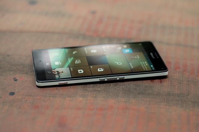 microsoft-lumia-950-xl-thiet-ke-2