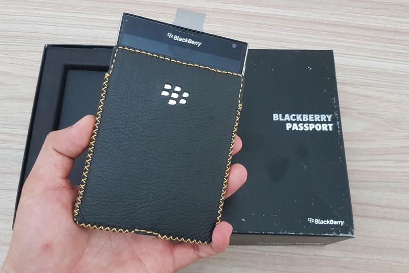 bao-da-blackberry-passport-hinh-anh-duchuymobile-1