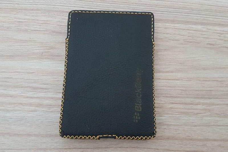 bao-da-blackberry-passport-hinh-anh-duchuymobile-3