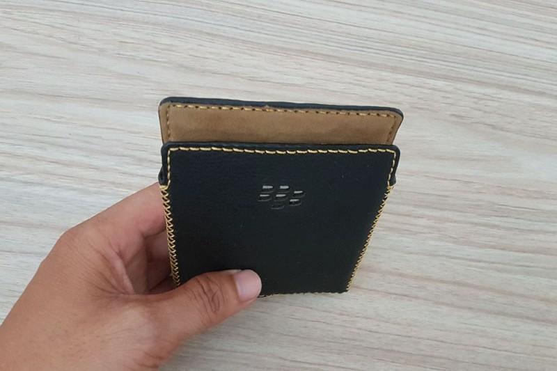 bao-da-blackberry-passport-hinh-anh-duchuymobile-7