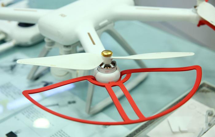 hinh-anh-may-bay-flycam-xiami-mi-drone-quay-phim-1080p-3