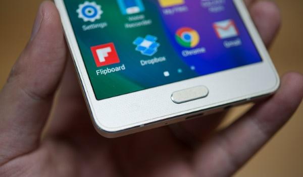 Samsung Galaxy A7 thiết kế mặt trước