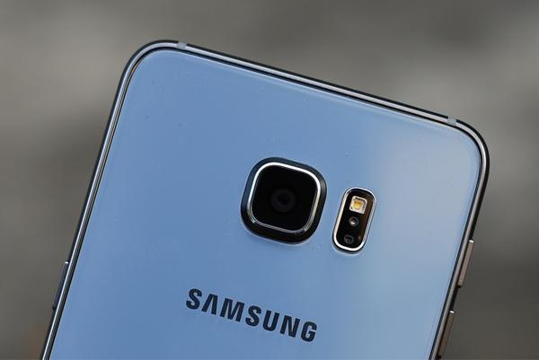 samsung-galaxy-s6-edge-plus-2-sim-camera
