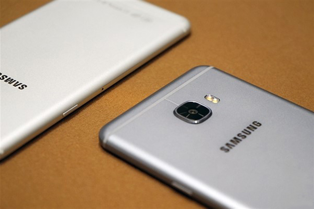 samsung-galaxy-c7-camera