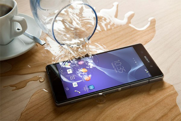 sony-xperia-z2-cu-chong-nuoc