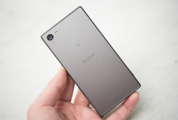 sony-xperia-z5-compact-xach-tay-camera