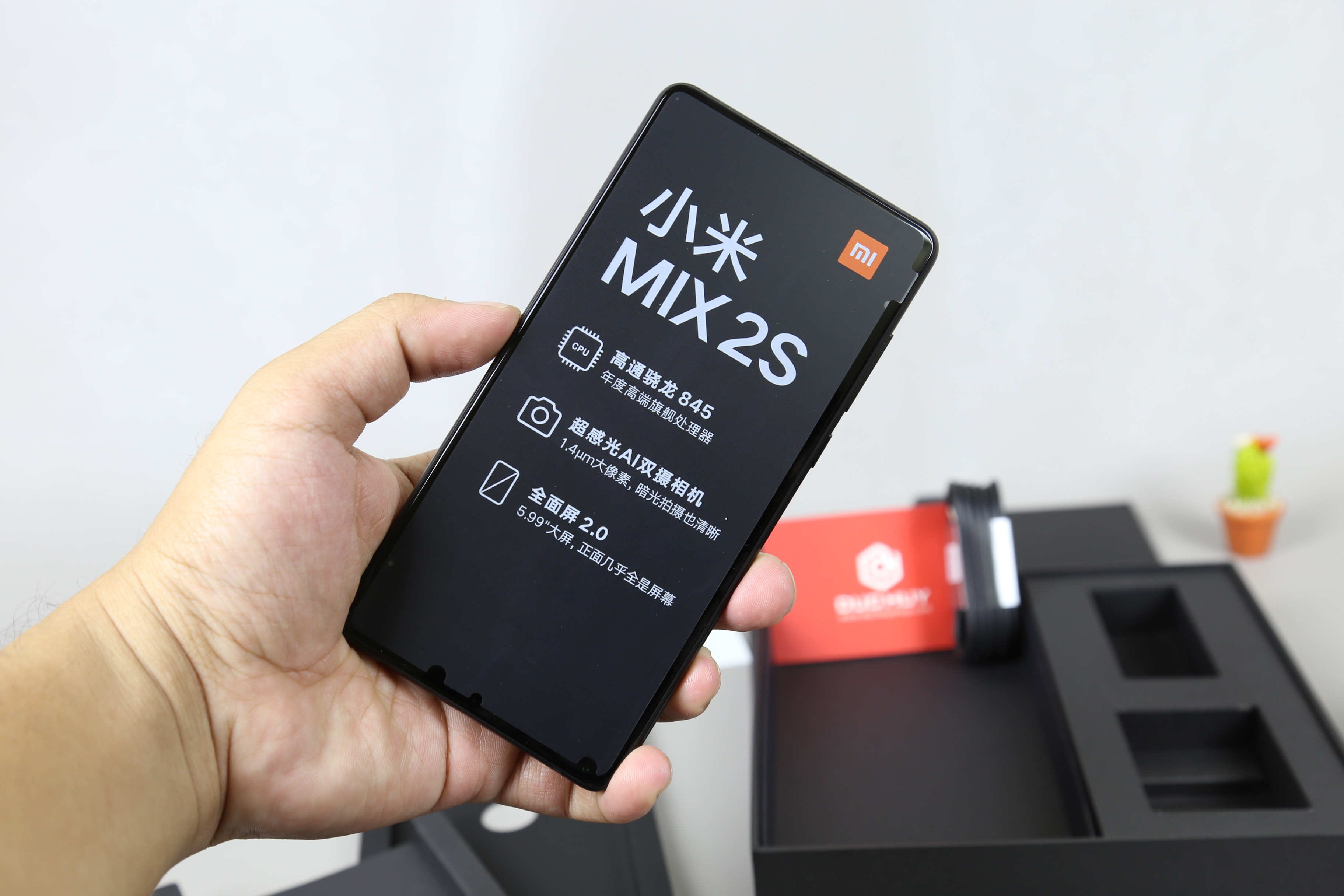 Man-hinh-Xiaomi-Mi-Mix-2S