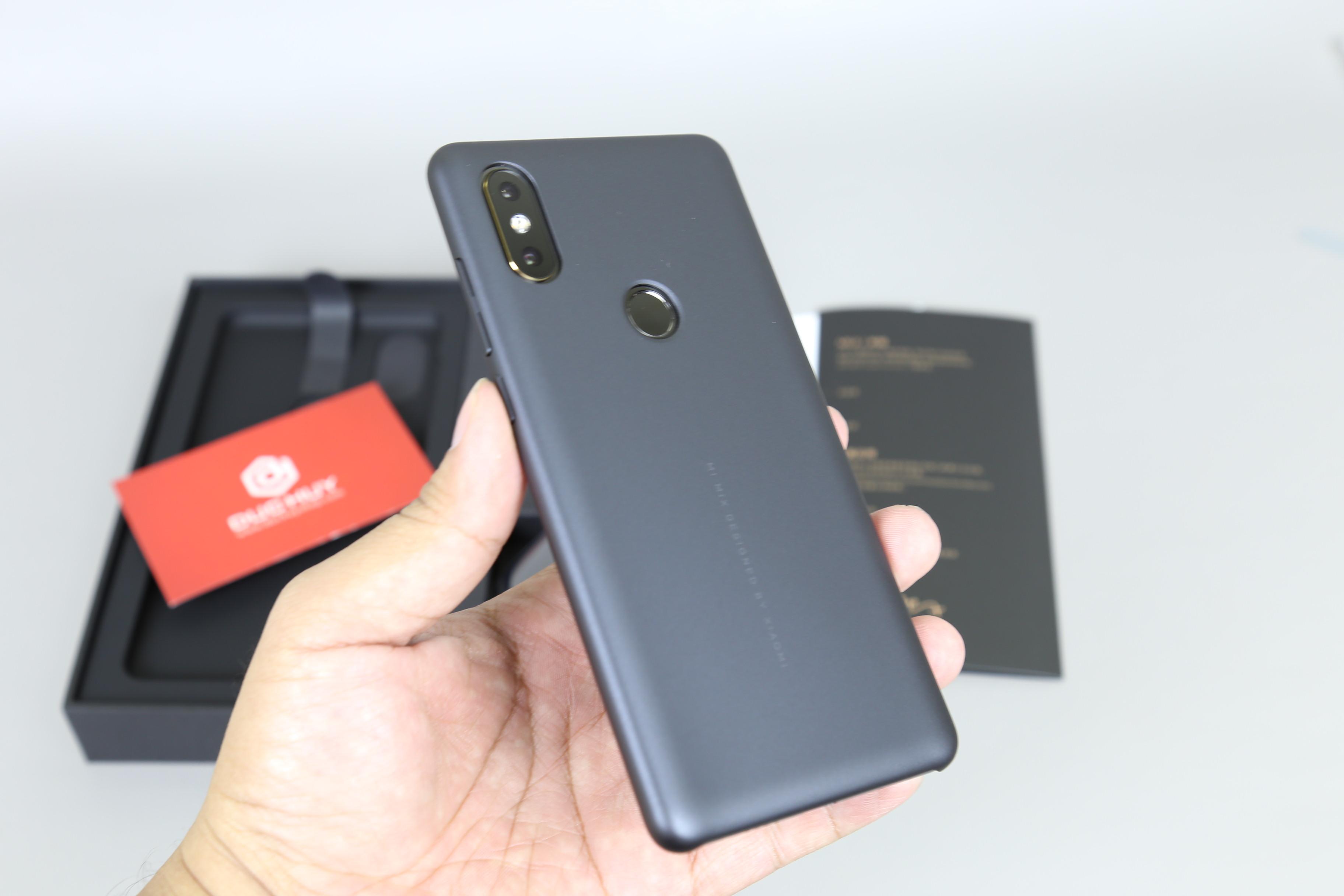 Thiet-ke-Xiaomi-Mi-Mix-2S