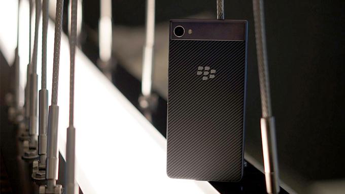 danh-gia-blackberry-motion-duchuymobile