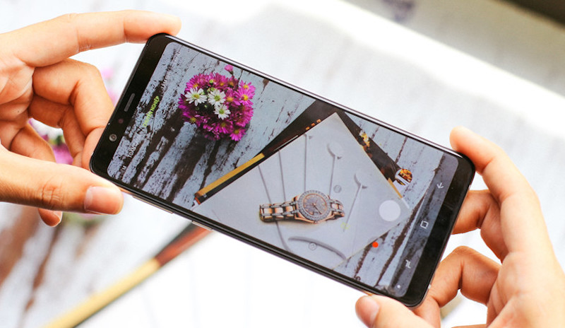 Samsung Galaxy A8 Star camera xoá phông thời thượng